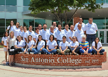 Students in front of San Antonio College